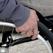 Imagen de una persona con discapacidad motriz